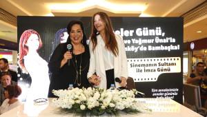 Türkan Şoray ve Kızı Yağmur Ünal Hayranlarıyla Buluştu