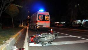 Ağaca Çarpan Motosikletin Sürücüsü Öldü