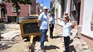 Ayvalık Belediye Başkanı Gençer Yol Onarım Çalışmalarını İnceledi