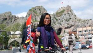 Bisikletle Tek Başına Dünya Turu