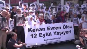 Cumartesi Anneleri'nden Kenan Evren Protestosu