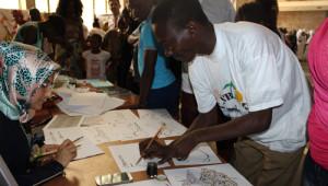 Gine'de Türk Kolejinin Düzenlediği Bilim Fuarına Yoğun İlgi