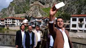 Selfieci Şehzadeye 24 Saat Mobese Takibi