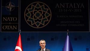Davutoğlu ve ABD Dışişleri Bakanı Kerry Başbaşa Görüştü (2)
