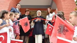 Emine Erdoğan Arnavutluk'ta Anaokulu Açılışına Katıldı