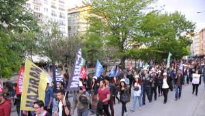 Eskişehir'de 300 Kişi Soma'da Ölenler İçin Yürüdü