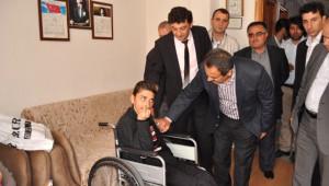 AK Parti Milletvekili Samani, Engellileri Ziyaret Etti
