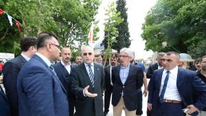 Fotoğraflar//mhp Adayı Ekmeleddin İhsanoğlu Eyüp Sultan Esnafını Ziyaret Etti