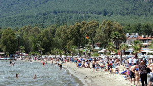 Akyaka Sahiline Yerli Turist Akını