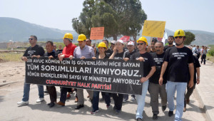 Soma'da İşçi, Memur ve Stk Üyeleri 301 Maden Şehidi İçin Yürüdü