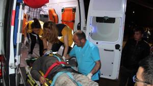Zonguldak'ta, Otomobil Minibüsle Çarpıştı: 9 Yaralı