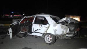 Traktör Otomobille Çarpıştı: Aynı Aileden 3 Ölü, 3 Yaralı