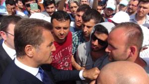 Bursa'da Otomotiv İşçilerinin Eylemi Devam Ediyor (3)