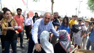 Ek Fotoğraflar//chp Genel Sekreteri Gürsel Tekin ve Partililer Karaköy ve Eminönü'nde Esnafı...