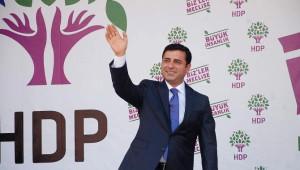 Demirtaş, Adıyaman'da Vatandaşlara Hitap Etti