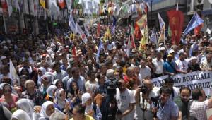 Hdp'ye Yapılan Bombalı Saldırılar Adana'da Protesto Edildi