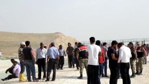 Şanlıurfa'da 2 Kepçe Operatörü Sulama Kanalında Kayboldu