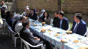 Yüksekdağ, Cenazesi Çuvalla Taşınan Muharrem'in Ailesini Ziyaret Etti