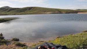 Araçları Gölete Uçan Aile Ağıtlarla Toprağa Verildi