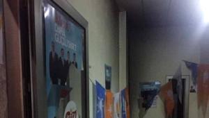 Siirt'te AK Parti Seçim Bürosu Kundaklandı
