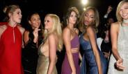 Cannes'da Podyumların En Ünlü Mankenleri Bir Araya Geldi