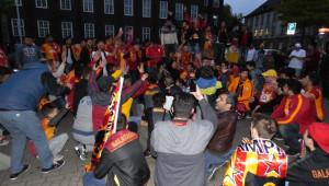 Almanya'da Galatasaray Taraftarları Sokaklara Döküldü