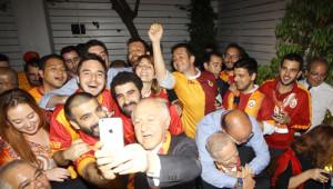 Galatasaray'da Şampiyonluk Kutlamaları Antrenmanı İptal Ettirdi