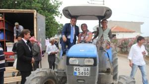 Eryılmaz, Saruhanlı'da Çiftçilerle Buluştu