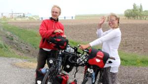 Alman Arkadaşların Bisikletle Dünya Turu