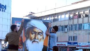 Diyarbakır'da Barzani'ye Bayraklı Destek