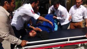 Askeri Araç, Suriyeli Kaçakların Otomobiline Çarptı: 1 Ölü, 7 Yaralı