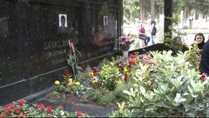 Hdp'li Pervin Buldan'ın Eşi Mezarı Başında Anıldı