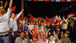 Selda Bağcan, Şarkılarıyla Manavgat'ta CHP'lileri Coşturdu