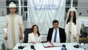 Kto Karatay Üniversitesi'nden Tarihi Mezuniyet Cübbesi