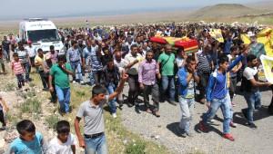Kobani'de Öldürülen Ypg'li Kurtay Iğdır'da Toprağa Verildi
