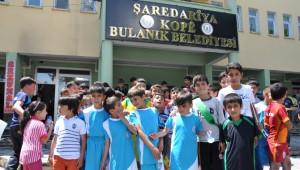 07-13 Yaş Futbol Turnuvası Coşkuyla Başladı