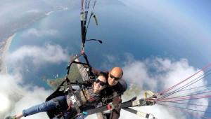 Bulut Tarlaları Üzerinde Uçma Keyfi