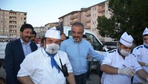 Ağrı Belediye Başkanı Sakık, İftar Çadırında