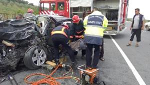 Pamukova'da Trafik Kazası: 2 Yaralı