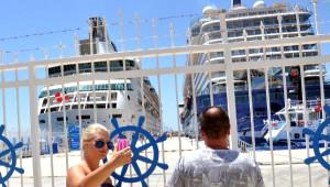 Bodrum'da Denizden Turist Bereketi