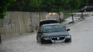 Çorlu'da Yağmur Sokakları Göle Çevirdi