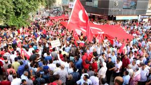 Ceylanpınar'da Belediye Başkanına Destek Yürüyüşü