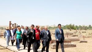 Müsteşar Dursun'un Ahlat Ziyareti