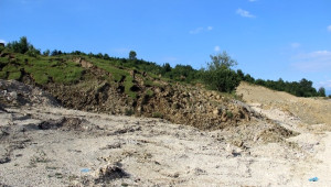 Zonguldak'ta Heyelan Yolu Ulaşıma Kapattı