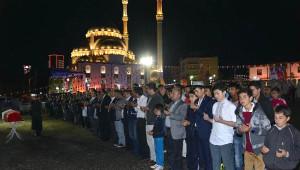 Kazan'da Uygur Türkleri İçin Gıyabi Cenaze Namazı