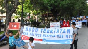 Eskişehir'de Ülkücüler Doğu Türkistan İçin Yürüdü
