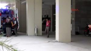 Şüpheli, Yanına Yaklaştığı Kadının Bileğini Kesip Kaçtı
