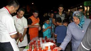 Nevşehir Belediyesi Kadir Gecesi'nde Bal Şerbeti Dağıttı