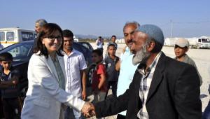 Tarım İşçilerini Ziyaret Eden Hdp'li Kolçak, Sorunlarını Meclis'e Taşıyacak