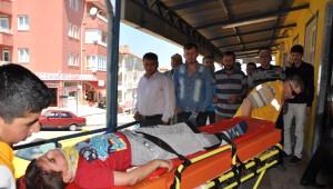 Bayram Tatili Yolunda Kaza: 1 Ölü, 5 Yaralı